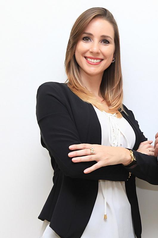 Ft. Natalia Olivia Vivi Fisioterapeuta, escritora e empresária